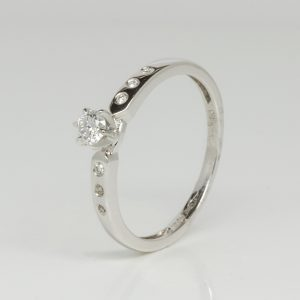 9ct white gold diamond ring-0